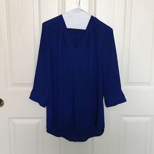 Blue quarter-sleeve blouse